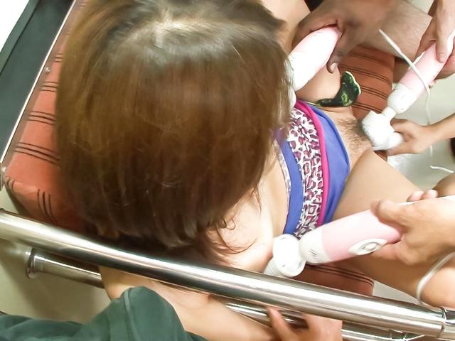 Lovely Japanese babe Mizuki Iori finger fuck inside a train Photo 7