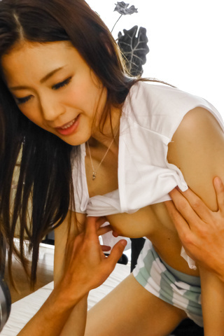 Mind blowing hardcore fuck along Japanese av star Mayuka Akimoto Photo 6