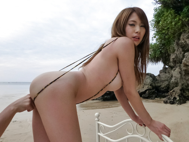 Japanese av beauty, Nami Itoshino, gets fucked in outdoor  Photo 4