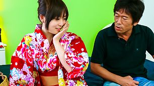 Nozomi Hazuki gives japanese blow jobs and is creamed