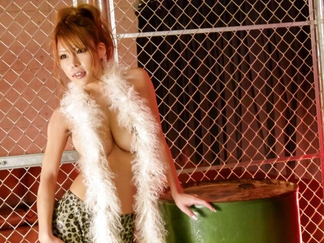 Oily MILF Haruka Sanada av girl fucked in a threesome Photo 1