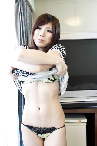 Teen Riko Masaki in uniform is deeply fucked Photo 1