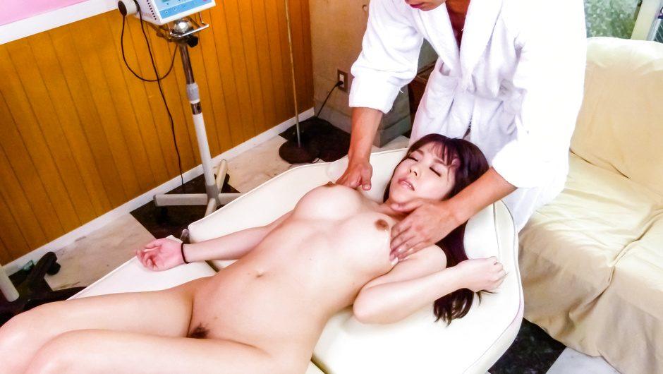 Curvy Chinatsu Kurusu's Massage Turns To A Creampie