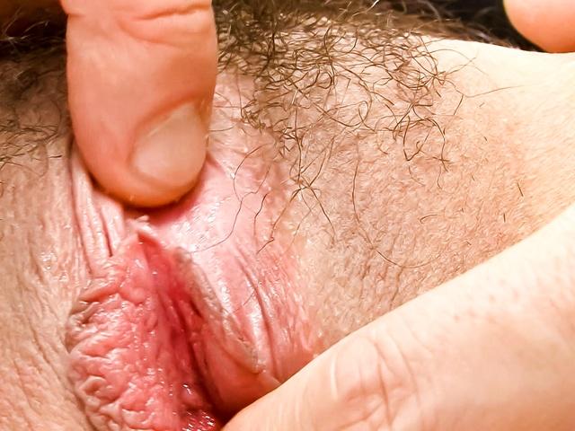 Mari Sasaki sucking and fucking two cocks Photo 8