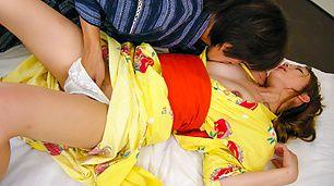 Japanese kimono gal getting sex on a futon Sakura Hirota