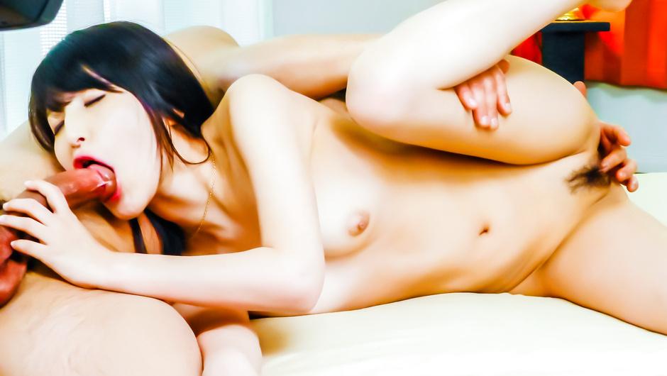 Sexy Japanese avstarSaki Kobashi fucking on cam