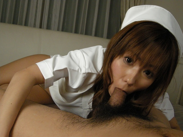 Experienced nurse Yurika Momose does a good job on the cock Photo 12