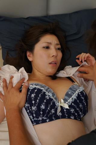 Beautiful japanese enjoys tasty cock in hardcore  Photo 6