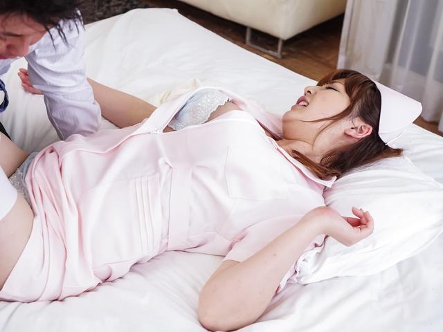 爆乳モデル鈴木愛~ナース姿で中出し Photo 9