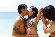 Beach blanket banging with japanese av girl Yui Nanase Photo 1