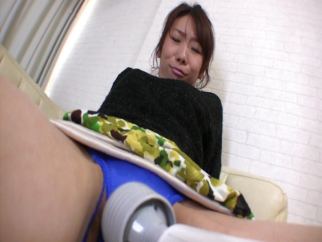 Mizuki Tsukamoto enjoys rough sex with a strong male  Photo 6