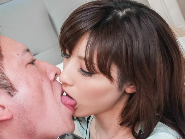 Kanako Iioka giving hot japanese blowjob Photo 6