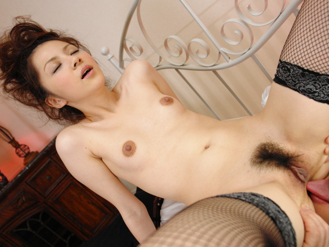 Rina Koizumi in sexy stockings fucking three man with blowjobs Photo 10