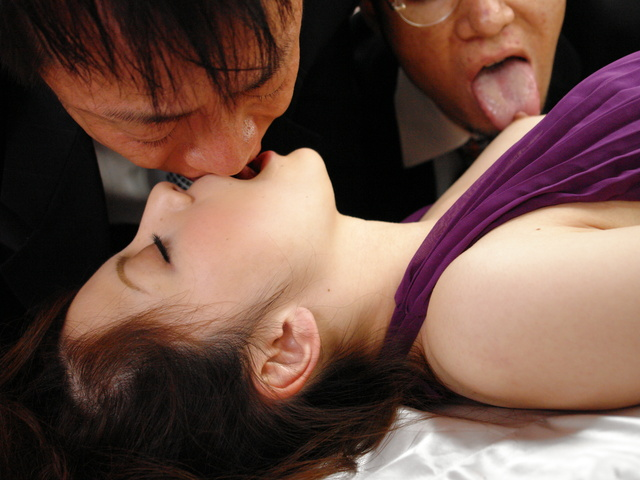 Rina Koizumi in sexy stockings fucking three man with blowjobs Photo 2