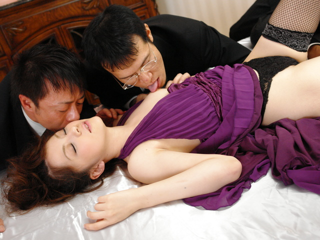 Rina Koizumi in sexy stockings fucking three man with blowjobs Photo 3