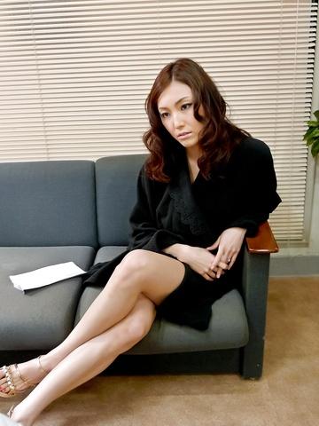 Sexy av MILF Nozomi Mashiro gets DPed and creampied Photo 4