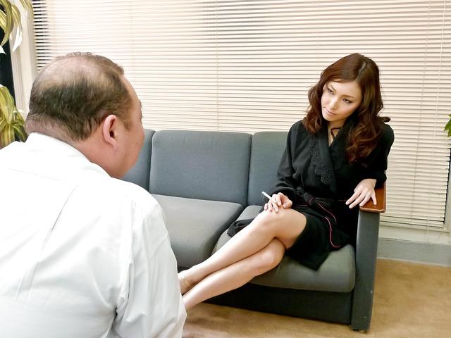 Sexy av MILF Nozomi Mashiro gets DPed and creampied Photo 5