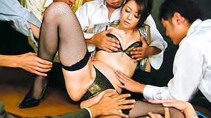 Hot Japanese chick Hojo Maki man-handled