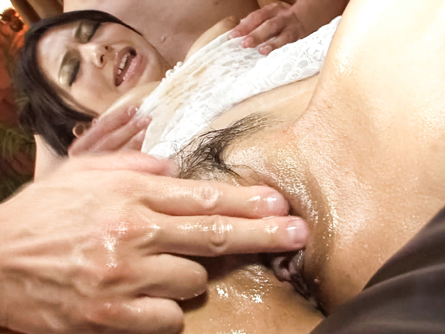 Kanade Otowa av girl spreads open for two guys Photo 12