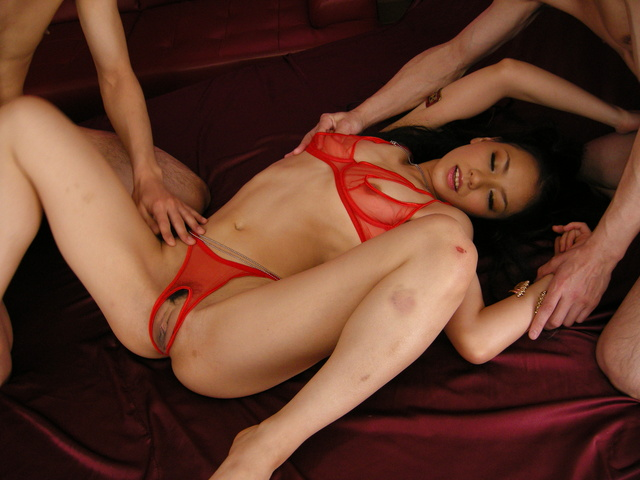 Both Holes On Kaede Creampied And Fed To Her Photo 4