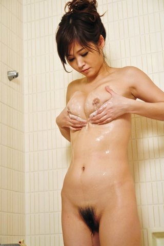 Out of the shower Moe Yoshikawa goes right to hard threesome action Photo 3