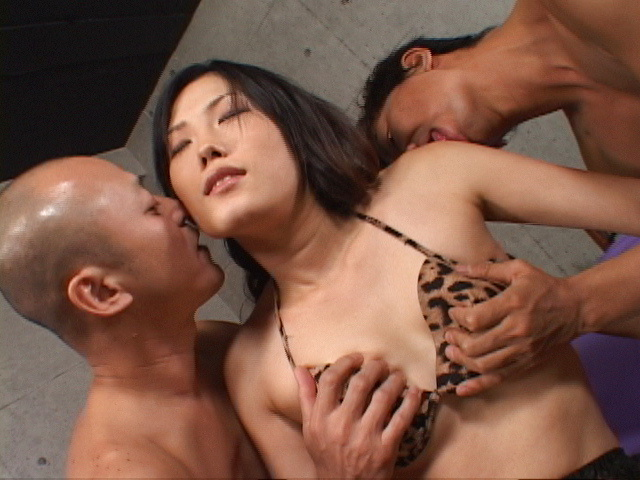 Asian babe Yui Komine loaded with spunk in her muff Photo 5