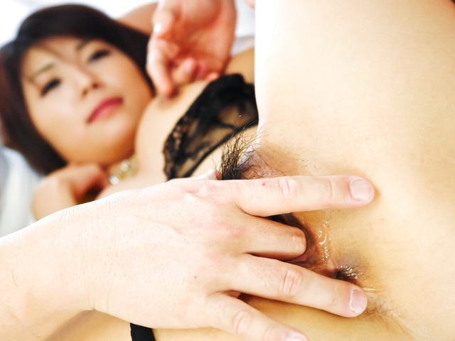 Stunning Asian woman blowing two hard shafts and get screwed Photo 6