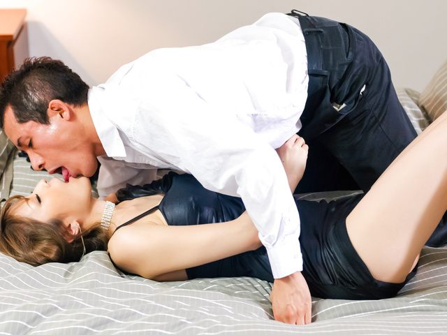 Round tit Yuria pussy fondled and banged on the couch Photo 3