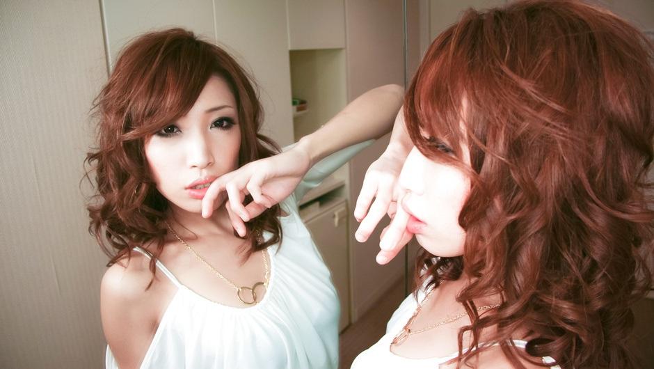 MILF Aya Sakuraba Sucking Two Dicks For Their Cum